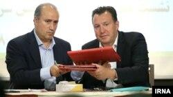 مهدی تاج، رئیس سابق فدراسیون، مبلغ قرارداد با مارک ویلموتس را ۲.۲ میلیون دلار عنوان کرده بود