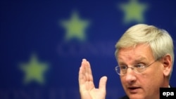 "Sweden's Foreign Minister Carl Bildt, speaking for the current EU Presidency, said that ""we are still in a period of engaging with authorities in Belarus to try to move them further in the direction of European values."""