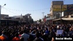 تجمع اعتراضی کارگران هفتتپه در آبان ماه سال ۹۷