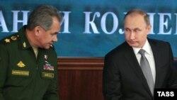 Министр обороны Сергей Шойгу и президент Владимир Путин.