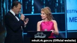 Марат Башаров и Жанна Эппле в Ялте