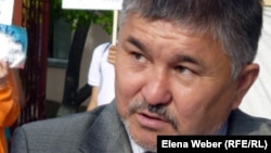 """Абильда Абдикаримов, председатель организации """"Единство"""". Темиртау, 28 мая 2012 года."""