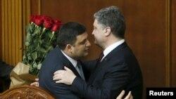 Володимир Гройсман та Петро Порошенко, архівне фото
