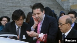 جنوبي کوریا: زخمي امریکايي سسفیر مارک لیپېرټ په سیول کې روغتون ته ننوزي