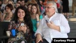 Сяўгіль Мусаева-Баравік і Павал Шарамет, архіўнае фота