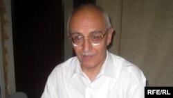 رفیق تقی، نویسنده اهل جمهوری آذربایجان.