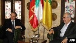 میخائیل بوگدانف، معاون وزیر خارجه روسیه (چپ) در دیدار با محمد رعد نماینده حزبالله در پارلمان لبنان