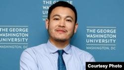 Тенгиз Сыдыков, Қырғызстанның АҚШ-тағы бұрынғы елшісі Замира Сыдыкованың ұлы