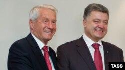 Генсекретар Ради Європи Торбйорн Яґланд (Л) і президент України Петро Порошенко (П). Архівне фото