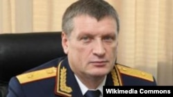 Оьрсийчоь -- Оьрсийчоьнан таламман комитетан Нохчийчохь йолчу урхаллан куьйгалхо Девятов Сергей.
