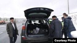 Чаллы активистларының машиналарын тентиләр