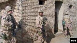 بريتانيا پس از سقوط طالبان حدود پنج هزار و ۶۰۰ نيرو در افغانستان مستقر کرده است.