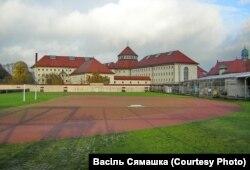 Турма Ландзбэрг (Баварыя). Турэмнае футбольнае поле