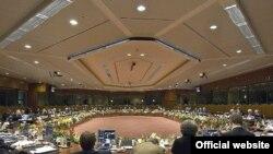 رهبران اتحادیه اروپا در نشست بروکسل به ایران هشدار دادند در صورت ادامه پافشاری بر غنی سازی اورانیوم این اتحادیه از تشدید تحریم های تهران حمایت خواهند کرد.
