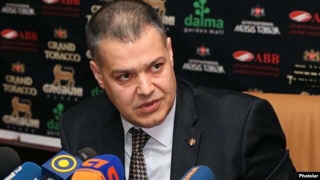 Armenia - Davit Harutiunian at a news conference in Yerevan, 12Sep2011.