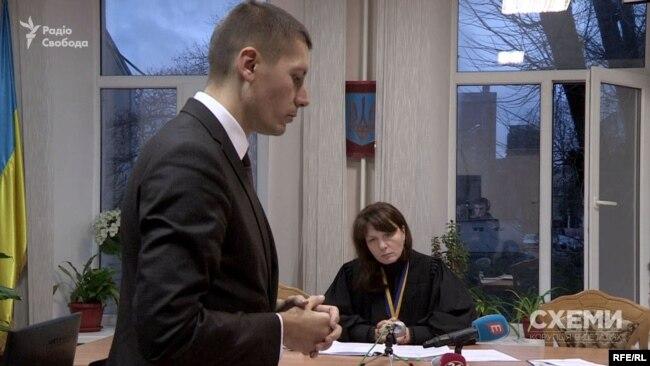 Прокурор САП Андрій Перов дверима не грюкав, запевняє його безпосередній керівник