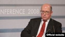 Джеймс Шерр, Голова програм Росії та Євразії в Королівському Інституті Міжнародних Відносин