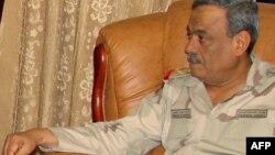 Јеменскиот министер за одбрана Мохамед Насер Ахмад Али