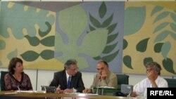 Лондон - Дискуссия по геноциду