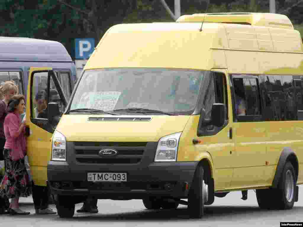 ახალი ყვითელი სამარშრუტო ტაქსი, რომლით მგზავრობა 80 თეთრი ღირს