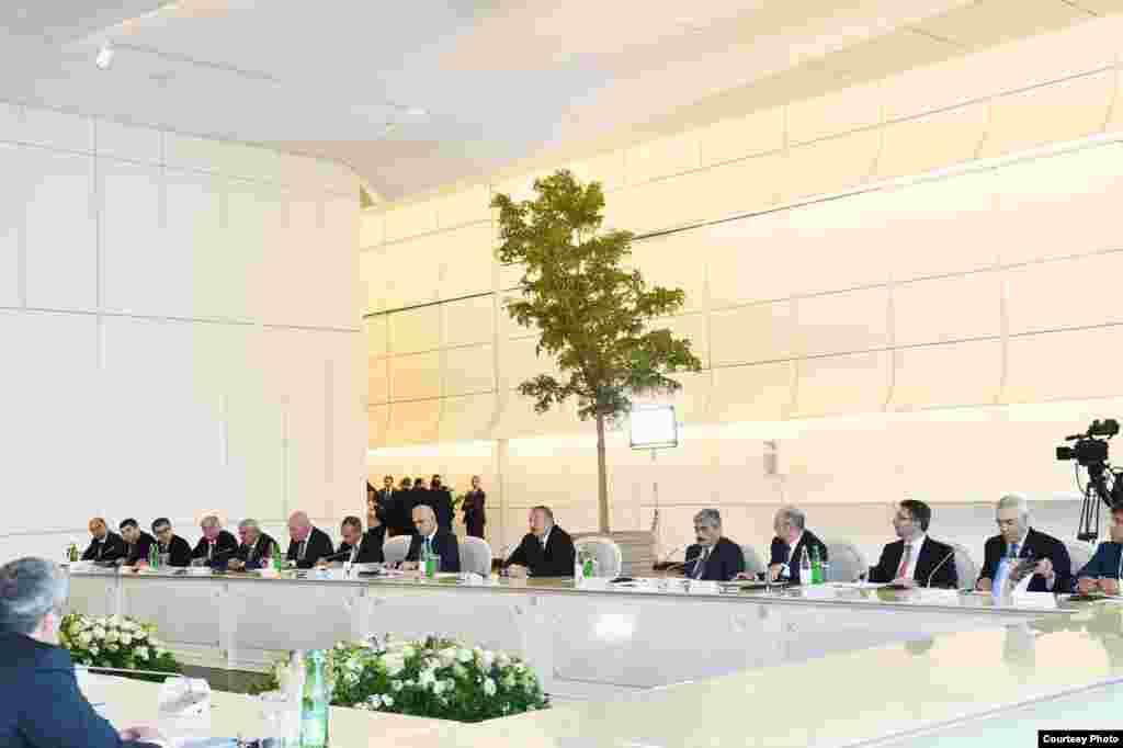 Бакудегі Германия және Әзербайжан арасындағы кеңейтілген келіссөз.