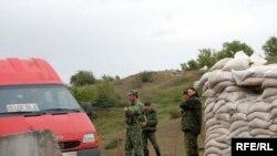 Блокпост в селе Переви
