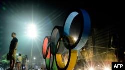 Олимпийские кольца в Рио-де-Жанейро, Бразилия.