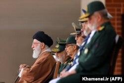حیات ولی فقیه و فرماندهی سپاه به هم گره خورده است