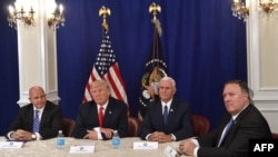 دونالد ترامپ و مشاوران امنیت ملی (عکس از آرشیو)