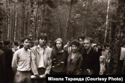 Крайні зьлева – Мікола Таранда, справа налева Віктар Габец, Міхась Баярчук, Галіна Прыма