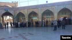 Voters' queue at the Shrine of Masoumeh in Qom, the religious capital of Iran. February 21, 2020