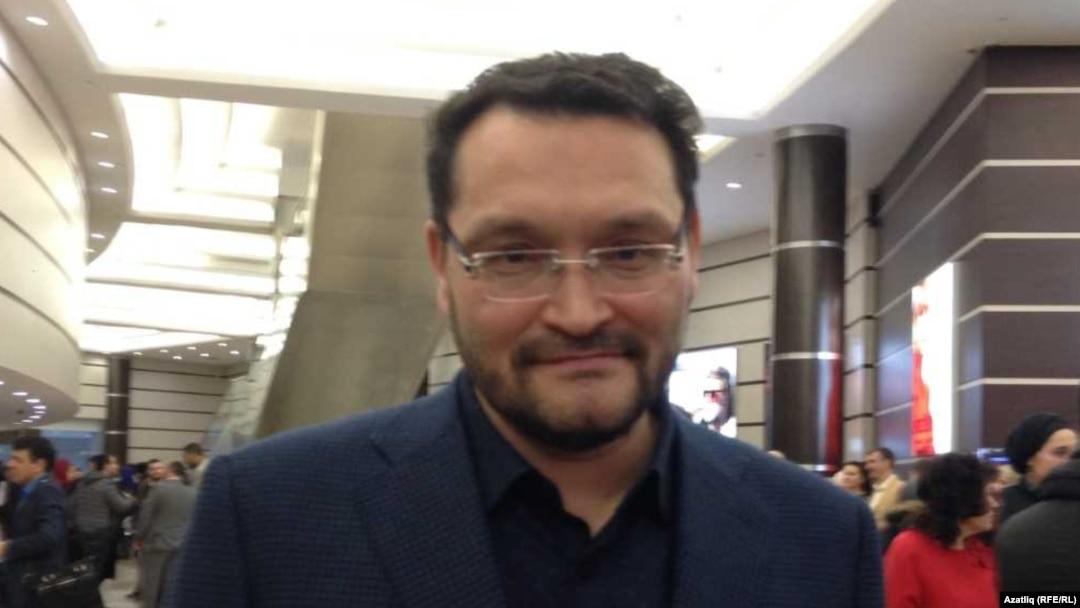 Abdul-Vahed Nijazov (datum nepoznat) je etnički Tatarin, inače usko povezan sa ruskim vlastima i predsednikom Putinom.