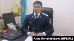 Бауыржан Жумаканов, прокурор Бостандыкского района города Алматы.