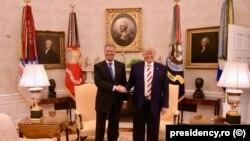 Donald Trump və Klaus Iohannis Ağ evdə