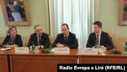 Pamje nga takimi në ministrinë e jashtme çeke
