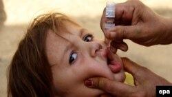 وزارت صحت عامه افغانستان از آغاز کمپاین واکسین پولیو در ۱۰ ولایت این کشور خبر میدهد.