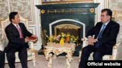 Эмомалӣ Раҳмон, президенти Тоҷикистон дар дидор бо Чжан Син