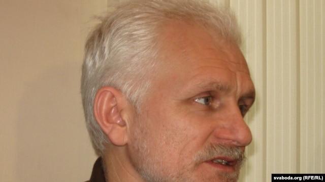 Ales Byalyatski's Vyasna group campaigns on behalf of political prisoners.
