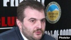 Հրապարակախոս Արգիշտի Կիվիրյան
