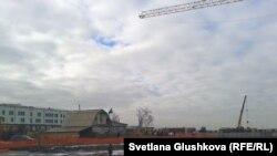 Наразы әйелдер тұрып жатқан үй. Астана, 11 қараша 2013 жыл.