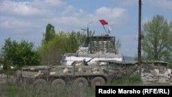 Ռուսաստան -- Ռուսական բանակի զրահամեքենան Չեչնիայում, արխիվ