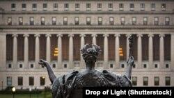Колумбийский университет в США, входящий в Лигу плюща