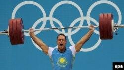 Қазақстандық ауыр атлет Илья Ильин Лондон олимпиадасында чемпион атанды. Ол 94 килограмм салмақ дәрежесінде әлем рекордын (418 килограмм) жаңартты. 4 тамыз 2012 жыл.