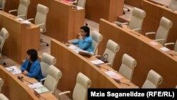 Слушания кандидатов в кабмин Грузии в парламенте проходят без оппозиционеров