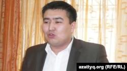 Елнұр Бейсенбек, Қазақстан коммунистік халық партиясының жас белсендісі. Алматы, 7 наурыз 2012 жыл