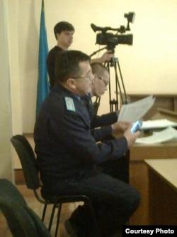 В зале суда над Игорем Сычевым из города Риддер Восточно-Казахстанской области. 22 октября 2015 года.