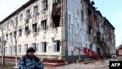 Одна з будівель у Грозному, пошкоджена після боїв 4 грудня 2014 року