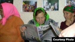 """Кершеннәр """"Туганайлар"""" газетасын яратып укый"""