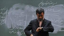 """По мнению британского журналиста иранского происхождения Саеда Камали Дегана, """"ядерная сделка"""" с Ираном была невозможна при власти бывшего президента Ирана Махмуда Ахмадинежада"""