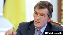 Отправляясь в Санкт-Петербург, Ющенко назначил новым послом Украины в России соратника Януковича